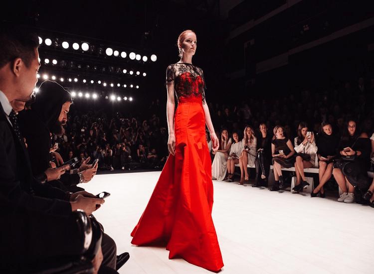 How to Dress Like a Fashion Model